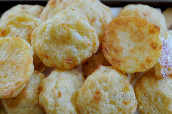 Cheesy Bread Rolls